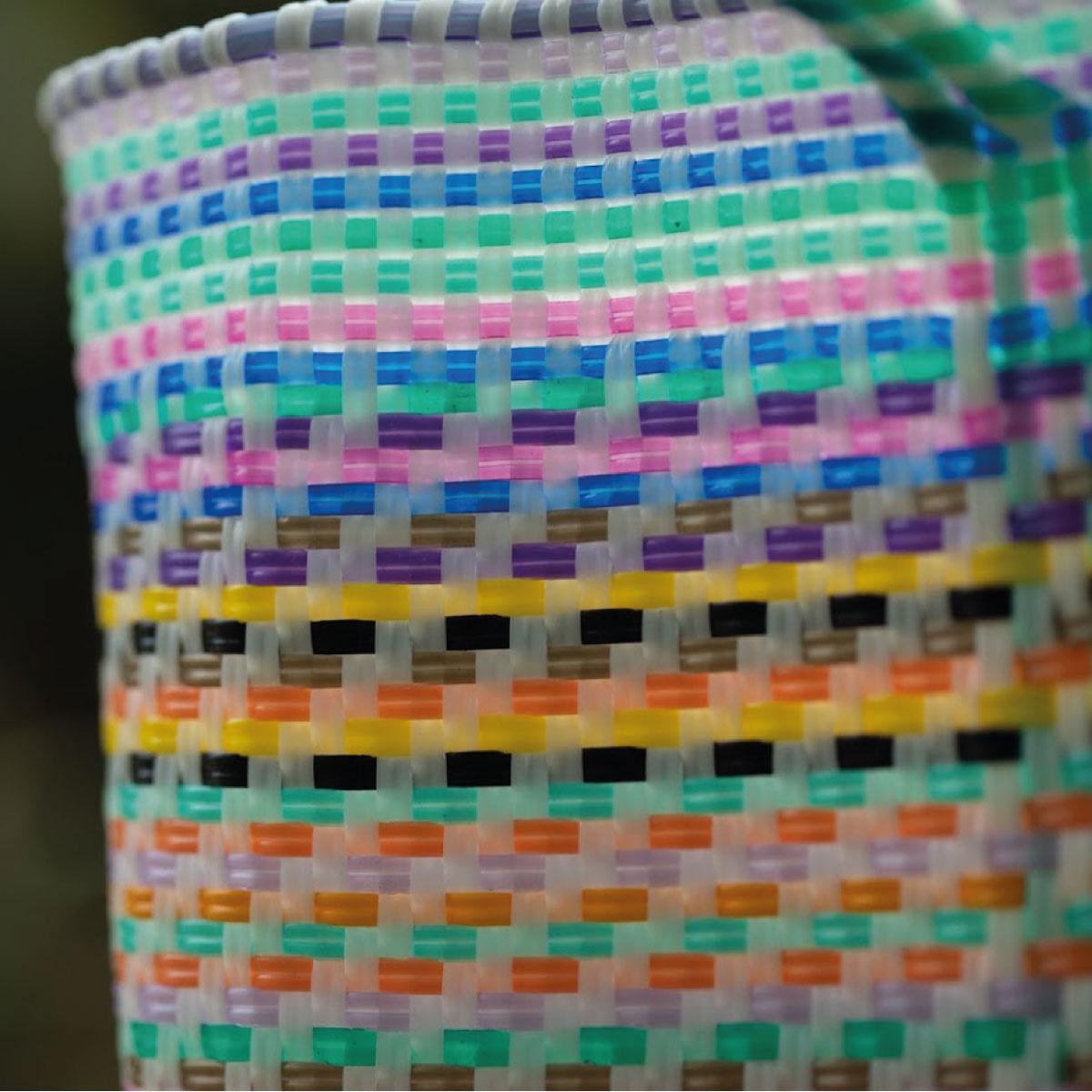 ECOSAK-Bags-recycled-plastic-fiber-Usa-Espana-Italia-carteras-maquillage